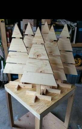 Pajangan Kayu Jati Belanda / Hiasan Kayu Bentuk Pohon Cemara