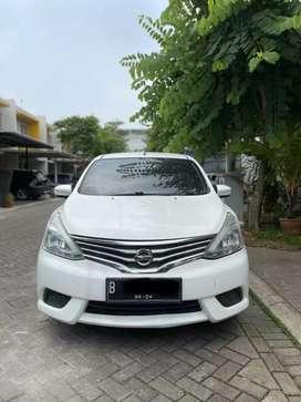 Grand Livina SV solid white 2014 Automatic