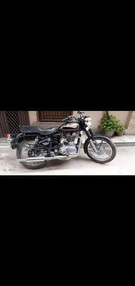 Royal Enfield Bullet black with good condition only 1 year old (Dl num