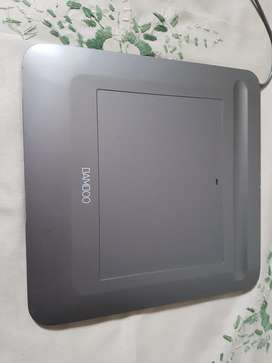 BAMBOO CTF-430 wired graphic tablet for sale without pen.
