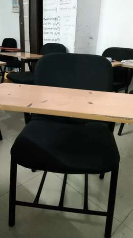 A banch chair for students .