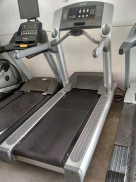 95ti life fitness treadmill