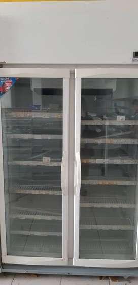 Jual display cooler bekas / beverage cooler merkPanasonic bekas pakai