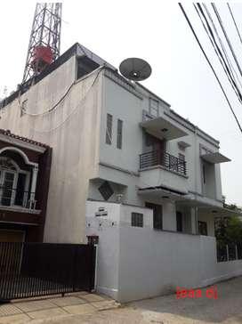 rumah villa arteri kelapa dua kebon jeruk jakarta barat murah