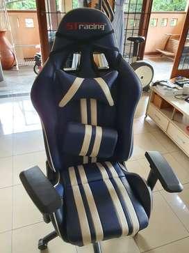 ST Racer Gaming Chair Bekas