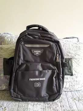 Travel bag for men and boys