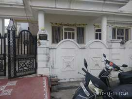 2 room set with kitchen/washroom rent, sector 13(bachelors allowed)