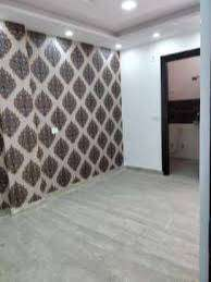 85 gaj flat in 39 lac near metro station with lift