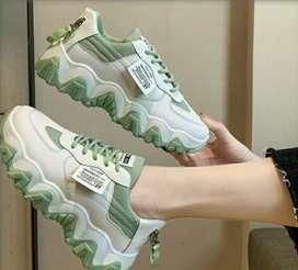 Sepatu Sneakers Import Wanita Sepatu Kasual Olahraga sepatu trending