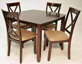 Meja makan jati