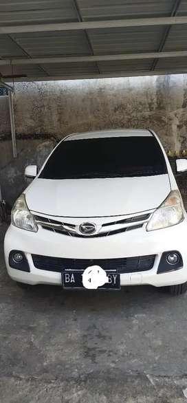 Mobil pemakaian pribadi ,daihatsu xenia thn2013tipe Rdeluxe bulan 3