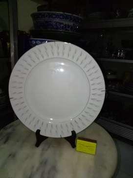 Piring keramik polos
