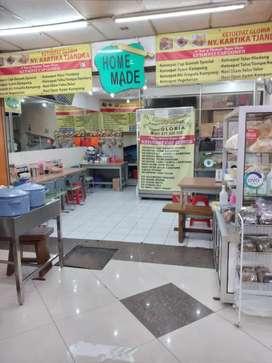 Toko di Pasar Baru Dijual