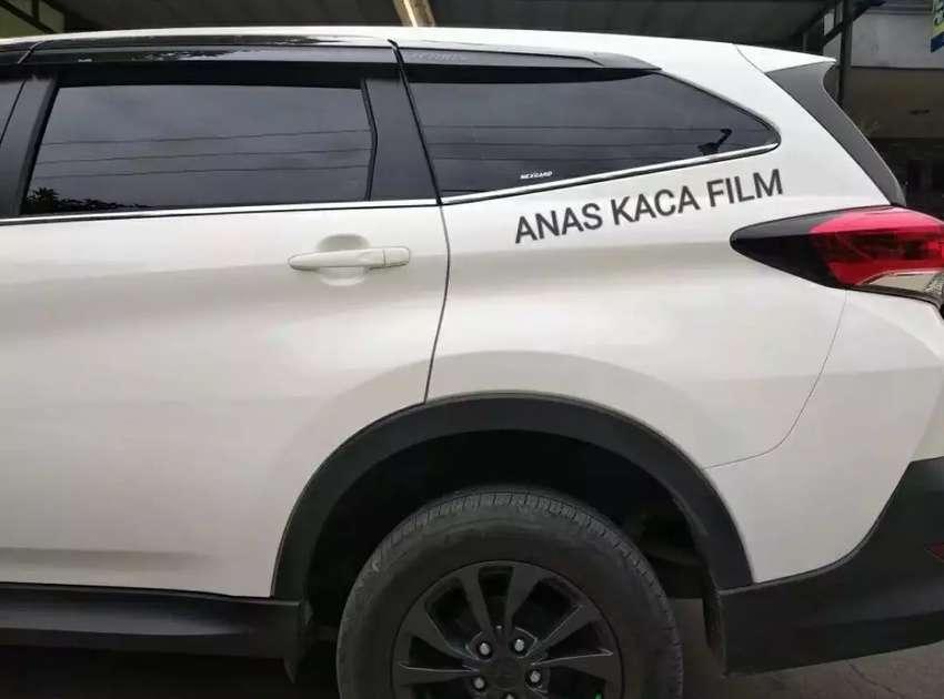 Rekomendent kaca film mobil black lebih elegan