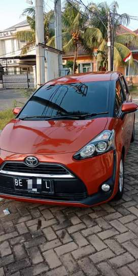 Toyota Sienta Manual type G 2017