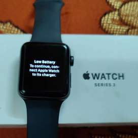 Apple Watch iwatch Series 3 42mm in waranty mint condition for iphone