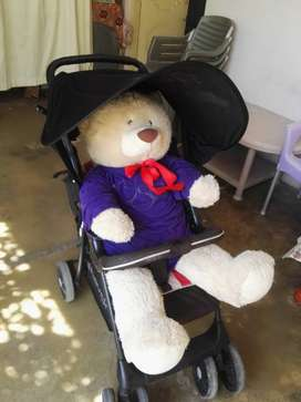 Branded folding baby pram for sale in best condition
