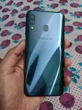 Samsung Galaxy a30 4/64 with amoled display