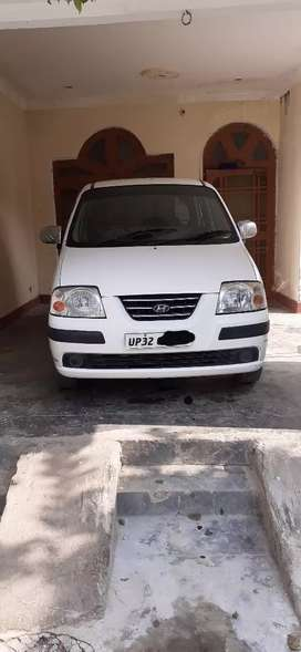 (Santro) Single handed car well maintained new tires Up 32 number hai