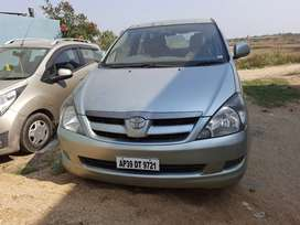 Toyota innova petrol&lpg in mint condition