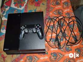 PS4 500GB Black version 5.55 with 2 Controller & 1 Fifa CD