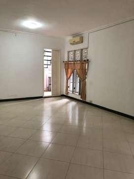 Disewakan rumah nan jelita di Pondok Indah, Jakarta Selatan