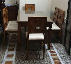 6 seater dining table, 1 month used only.