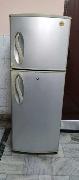 LG fridge 220L for sale