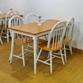 Meja Makan Set dengan 4 kursi Scandinavian Dining Table Second
