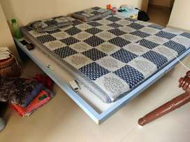 Second hand bed