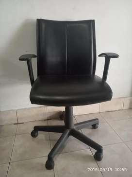 Kursi kantor / kerja