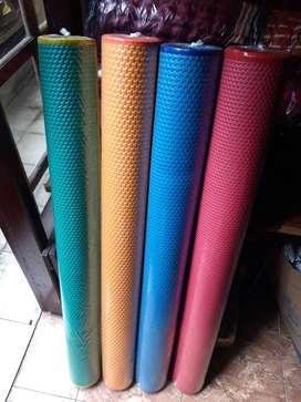 Tikar Karpet Spon Lantai Plastik Lipat Gulung Tanpa Motif / Polos