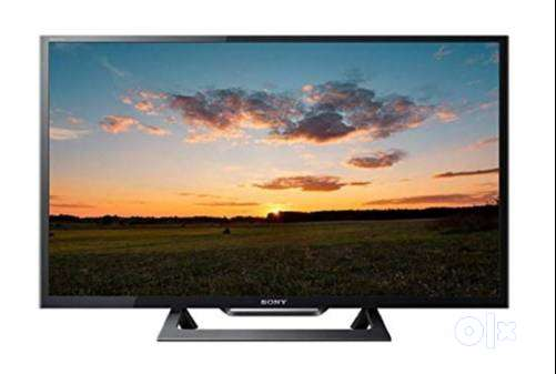 """Heavy discount sale Sony Panel 32"""" smart full HD LED TV seal pack 0"""