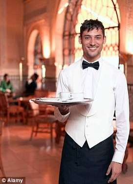 Need 100 Waiters in Hotels