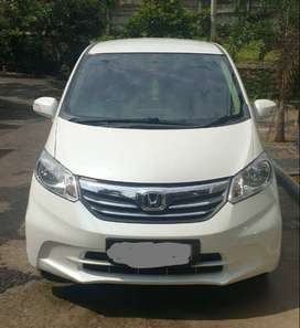 Mobil Honda freed automatic 2013