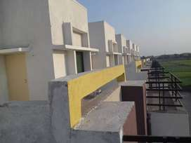 1bhk room available in greenvalley.
