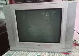 LG Flatron 21 inches color TV at Rs3500/- only