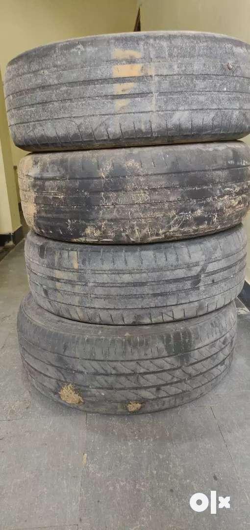 Apollo Tyre 0