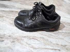 Tiger sefty shoe
