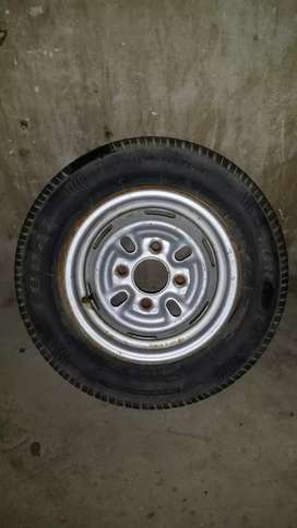 165.70.12 tyre + rim for sale or exchange with 14 number