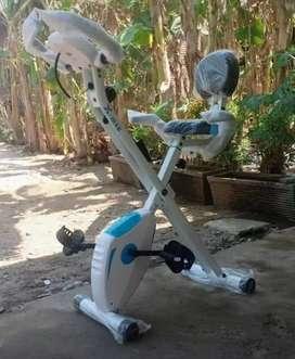 Sepeda statis bisa dilipat