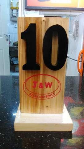 Nomor meja restaurant dari kayu