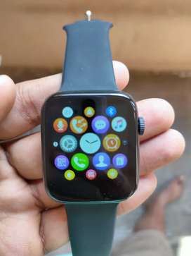 Smart watch with all features avaliable Whatsapp and more