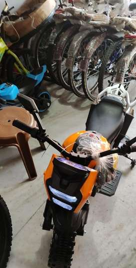 Kids battery operated bike Its been 7 days  fr kids age 4-12 old