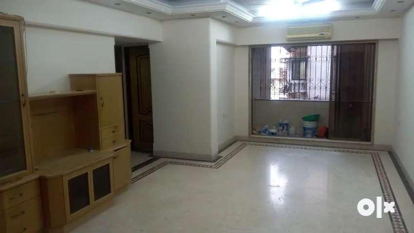 To Rent 4bhk spacious house in Santacruz west. Owner 0