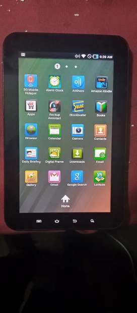 i-pad with data cable.Awesome look and battery time. Codition 9/10.