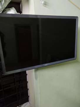 "LG  SMART TV. 32""."