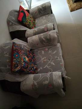 Sofa set 5 seater in excellent condition