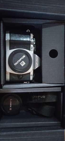 Mirroles Olympus OM-D E-M10 MARK ll KIT 14-42mm,