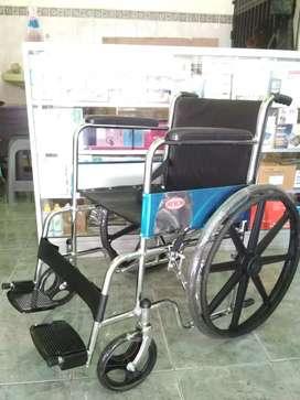Kursi roda velg racing hitam